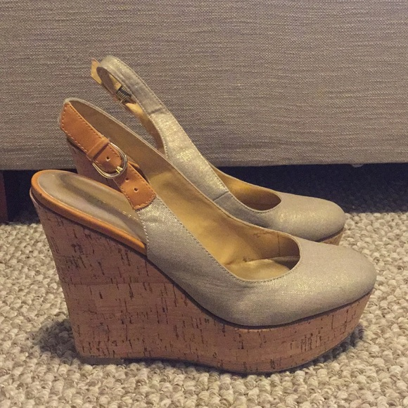 most fashionable selected material popular design Cork closed toe wedges with gold shimmer canvas